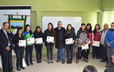 Alumnos de Lonquimay fueron beneficiarios de la Beca Presidente de la República 2017