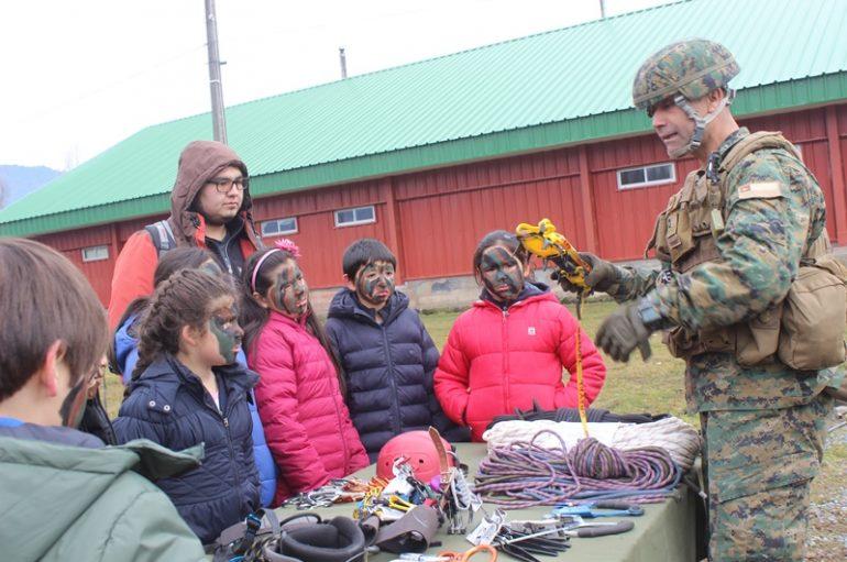 Estudiantes y profesores visitan el Ejército de Chile de Lonquimay