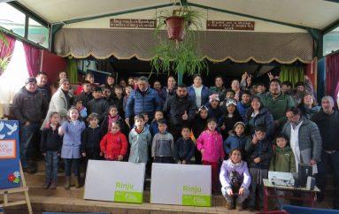 Niños de Pre-Kínder de Escuela Villa Troyo reciben sus Rincones del Juego